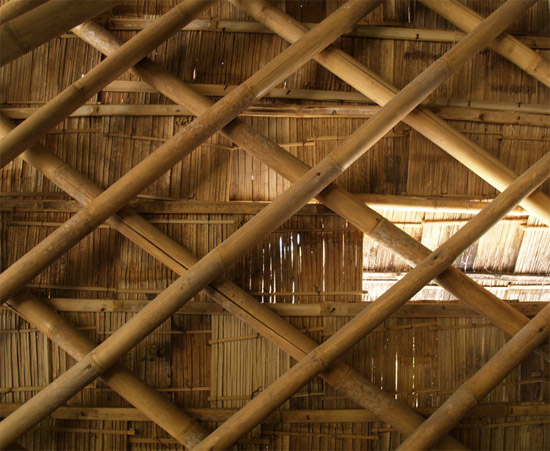[تصویر:  2011-5-3-Bamboo-Church-by-Eugenius-Pradipto-09.jpg]